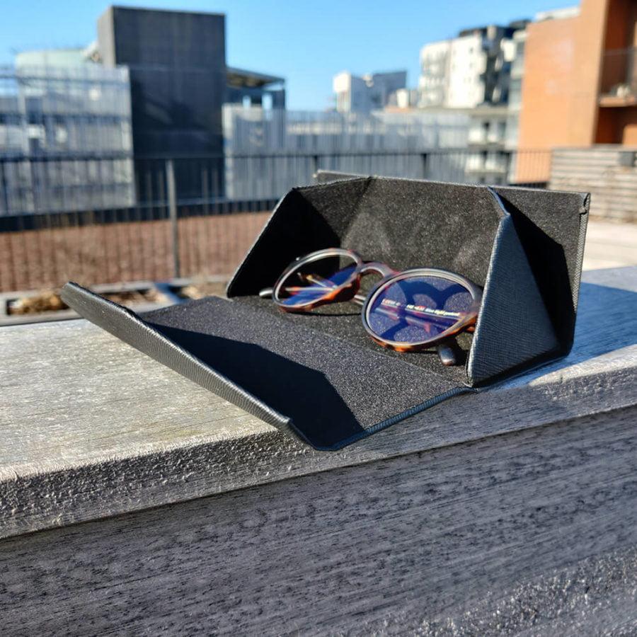 Brilleetui til blue light briller fra Beskyt Dit Syn 5